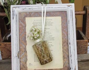 White Frame with Vase, French Inspired Frame, White Distressed Frame, Upcycled Frame, Upcycled Vase