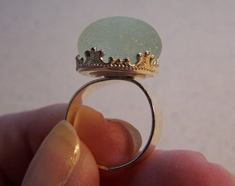 "Ring ENGLISH SEA GLASS sea foam green mounted in  adjustable ""fashion jewelry"" ring setting.Offers Welcome   14.00"