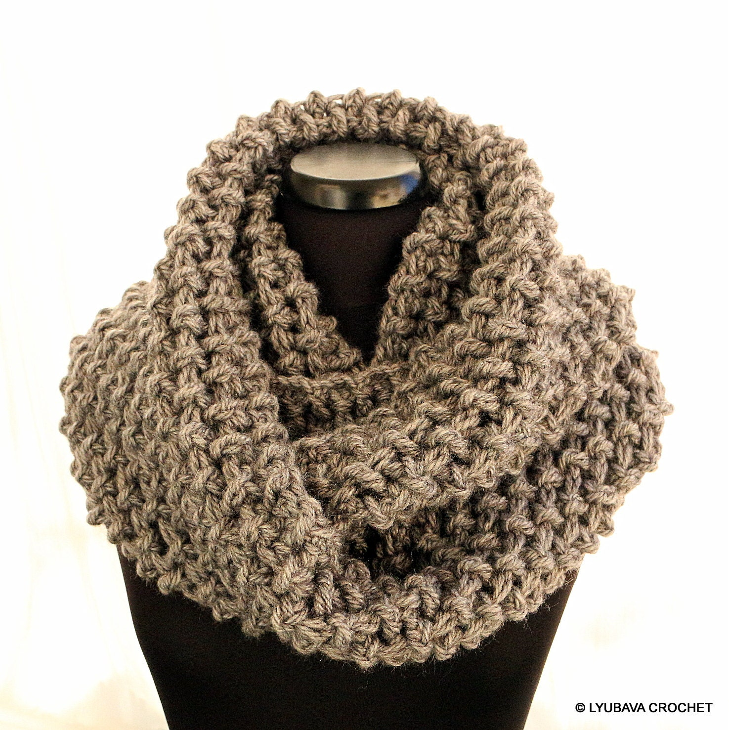 Crochet scarf pattern infinity scarf chunky scarf pattern zoom bankloansurffo Image collections