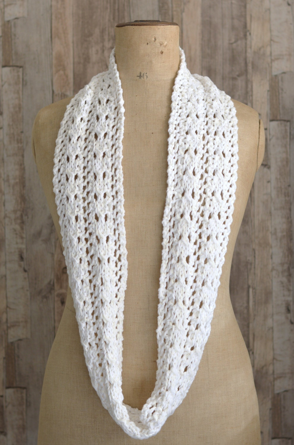 Knitting Pattern Lace Infinity Scarf : KNITTING PATTERN Simple Lace Scarf easy Knit Infinity Scarf