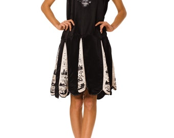 1920s Vintage Exciting Black and White Asian Embroidered Silk Dress  Size: S/M