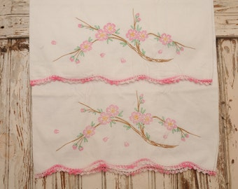 Vintage Pillowcases PINK Embroidered PAIR Standard Lace Trim