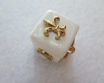 Fleur De Lis mini-ceramic box