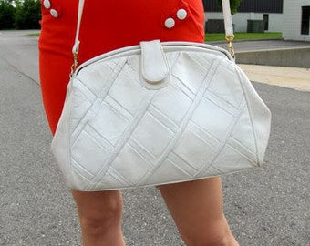 Vintage White Leather Bag / Detachable Strap / Oversize Clutch