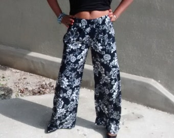 Black / White Floral Knit Wide Leg Pants - Slinky Jersey Pull On Palazzo Pants - Size 12 ~ CLEARANCE