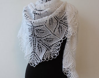 White lace shawlette, shoulder shawl