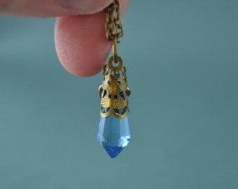 Blue crystal point necklace, dainty jewelry, Tiny crystal necklace