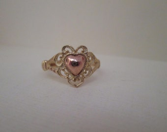 Sweet Lacey Yellow and Rose 14K Gold Heart Ring
