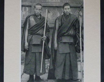 1940s Vintage Print of a Pair of Tibetan Buddhist Monks Black and white Old Buddhist decor, Vintage Tibetan monk picture - Free Tibet Gift