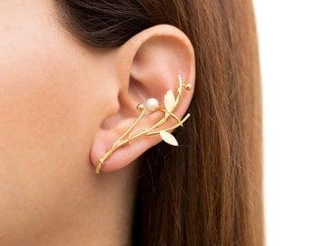 Girlfriend gift, elf ear cuff earring with pearl, wife gift, ear crawler earring, hypoallergenic ear climber earring, leaf earring,earcuff