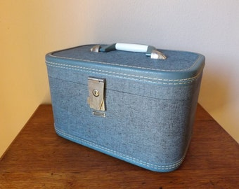 Train Case ~ 1950's Luggage ~ Towncraft Blue Tweed ~ Mid Century