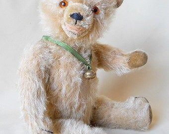 Old light grey mohair teddy bear with open mouth, velvet paws, glass eyes, growler, 1950s German vintage 16 inch shabby old bear