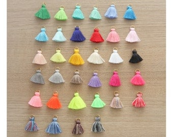 10 pcs of Mini Tassels DIY Craft Supplies Jewelry tassels Chunky tassel Short Boho tassels Small tassels Fringe Trim  - 20 mm