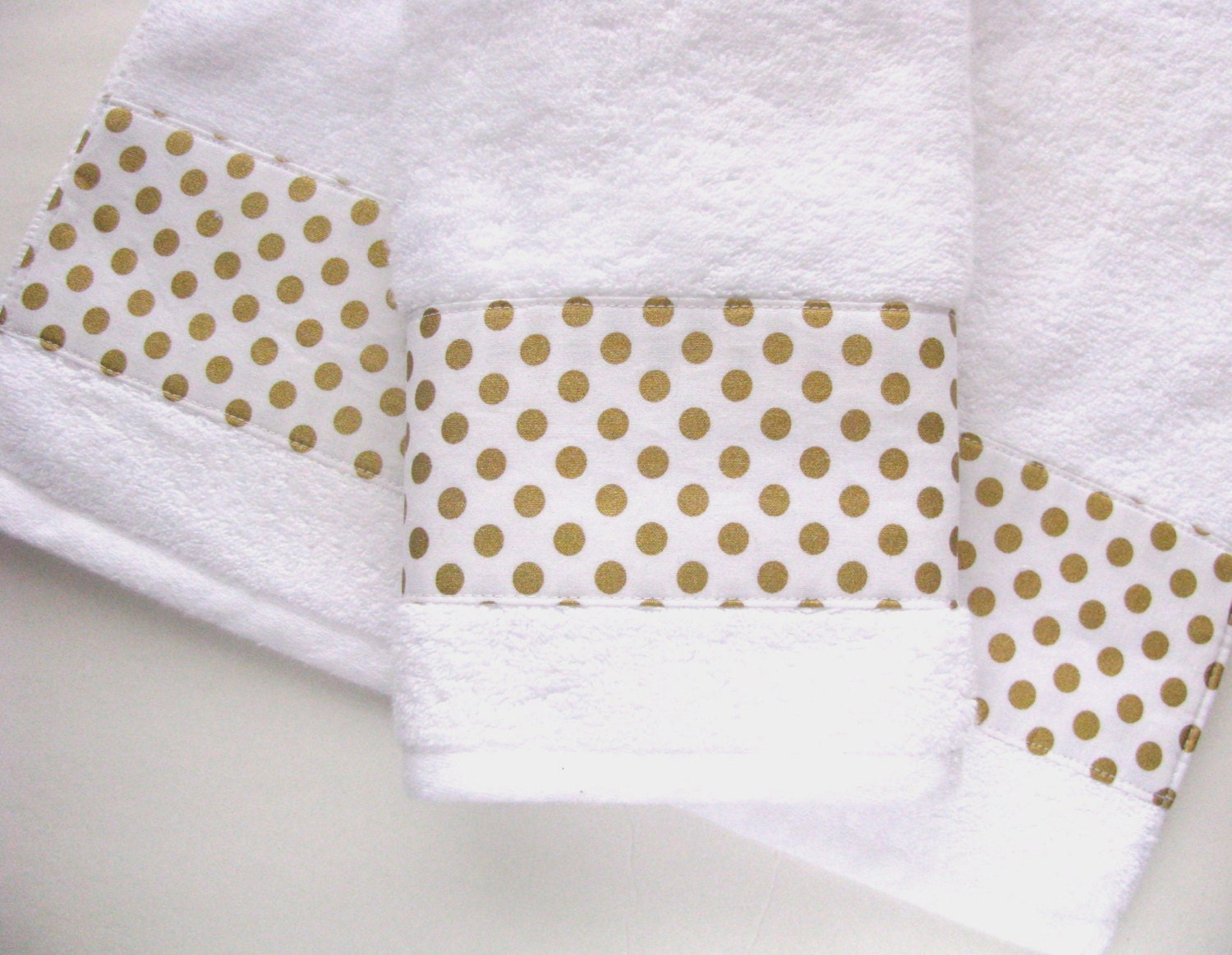 Gold and white towels hand towels bath towels custom for How to get towels white