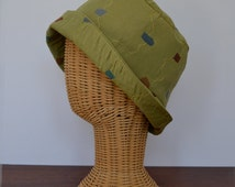 Retro Style Brocade Wide Brimmed Bucket Hat - Vintage New - 1920's Flapper and London Mod Look - One Only - Medium Large Size
