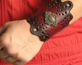 Fantasy Victorian Medieval Festif Leather Cuff Bracer no.2
