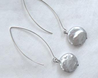 Light gray freshwater pearl earrings