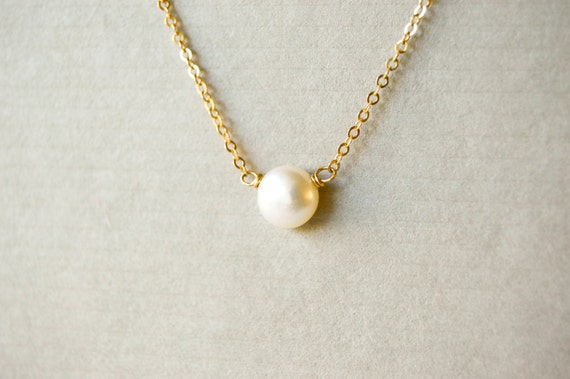 Single Floating Pearl ...