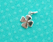 sterling silver 4 leaf clover charm - 3 pcs or more - .925 stamped single sided smooth detailed four leaf clover pendant with oval jump ring