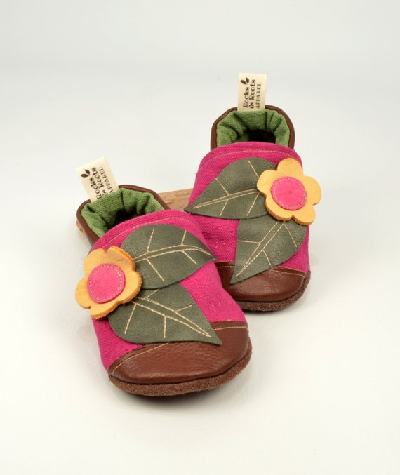 Canvas and Leather toddler moccasin with flower and two leaves. Classic, Pixie Pink // 6-12 // 12-18 // 18-24 months