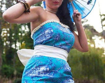 Bustier dress in a chinese print