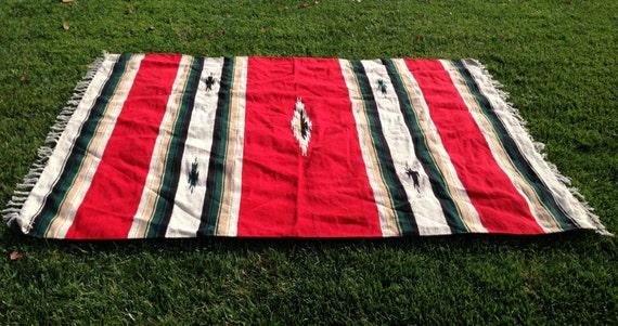 navire grand mexicain indien tapis ou couverture paisse rouge. Black Bedroom Furniture Sets. Home Design Ideas