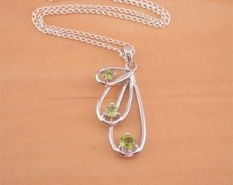 """925 Peridot Pendant & 18"""" Sterling Silver Chain/925 Peridot Necklace/August Birthstone/Peridot Jewelry/Peridot Jewellery/Peridot Jewelery"""