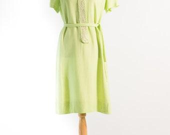 Vintage 1960's Pale Lime Embroidered Shift Dress L'Aiglon (Size 14 Aust / 10 USA / 12 UK)