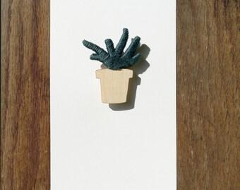 Plant Brooch 02