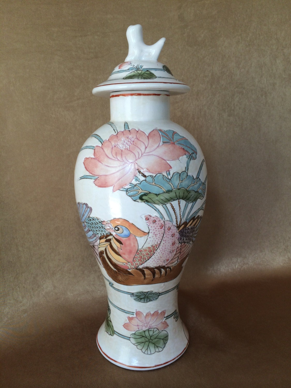 macau ginger jar asian chinoiserie bird lid ginger jar. Black Bedroom Furniture Sets. Home Design Ideas