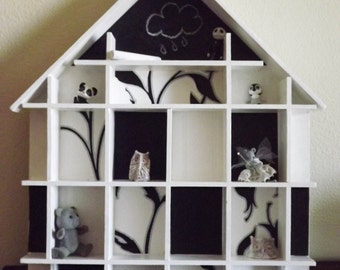 black and white house showcase  with blackboard paper