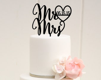 Wedding Cake Topper Mr and Mrs Cake Topper with Heart and Wedding Date