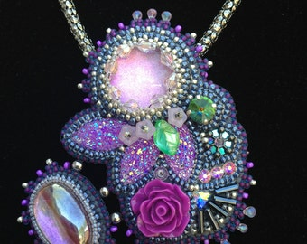 Stunning Purple/Pink bead-embroidered Pendant
