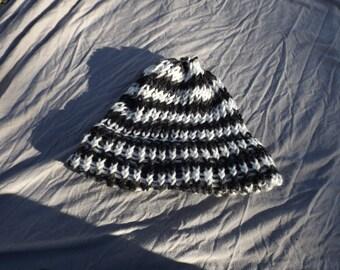 Black and white spiraled children's knitted beanie