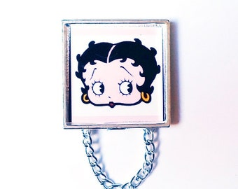 Betty Boop's Classic Look Magnetic Eyeglass Holder