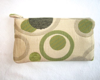 Clutch Purse in Tan/Green Circles