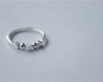 Cube and ball sterling silver ring, simple but special  (J38)