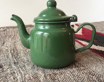 ENAMEL TEAPOT // Vintage Olive Green Enamelware One Cup Teapot