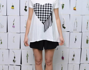 SALE***Country Heart Tshirt//Black and White Top S.M.L.