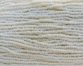 8/0 Opaque Cream Pearl Czech Glass Seed Bead Strand (CW76)