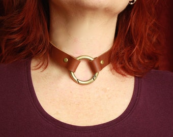 Leather O ring Slave Collar. Goth steampunk, Black Leather -many brown colors, gate hinge O ring, black/antique brass. bdsm dom sub fettish
