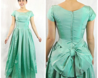 1950s pastel Green Taffeta Ballgown - 50s Mint Green Gown - Prom Dress