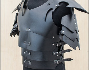 Dark Elf pauldrons in real leather, for Larp and fantasy enthusiasts.