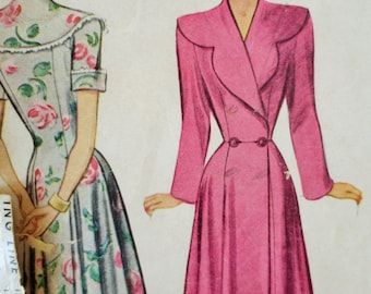 RESERVED FOR T McCall 7459 Sewing Pattern, 1940s Robe Pattern, 1940s Housecoat Pattern, Bust 32, 1940s Sewing Pattern, Scallop Collar Robe