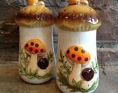 Vintage Merry Mushroom Salt & Pepper Shakers Sears Roebuck Ceramic -#4641