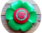 Green and red, flower button brooch