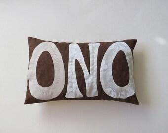 Hawaiian language Pillow ONO -Yummy- in Hawaii, Decoration pillow, Small cushion, Hand made on Maui, Hawaiian quilt method