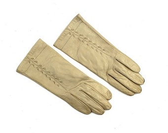 SALE off white soft supple leather driving gloves / cream gloves S