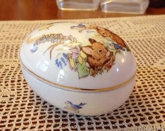 Pretty Little Whimsical Woodland Scene Ceramic Egg Box by Enesco