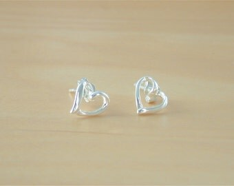 925 Silver Heart Stud Earings/Sterling Silver Heart Earrings/Heart Jewellery/Heart Jewelry/Heart Jewelery/Love Heart Earrings/Heart Studs
